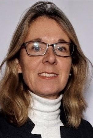 Andrea Hertach, Betriebsökonomin FH